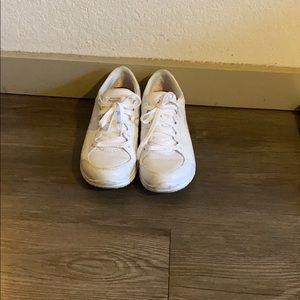 Slip resistant Skechers  size 6
